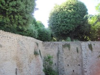 A fortification wall around the CEUB